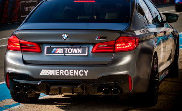 BMW M5 Mobile Wallpapers