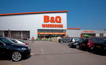 B&Q DIY Store Wallpaper