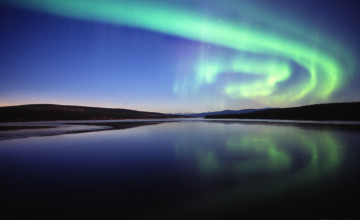 Download Aurora Borealis Wallpaper