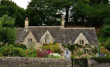 English Cottage Style Wallpaper