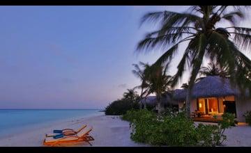 Exotic Beach Resorts Wallpaper