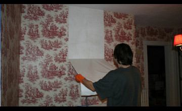 How to Remove Wallpaper Easily with Vinegar