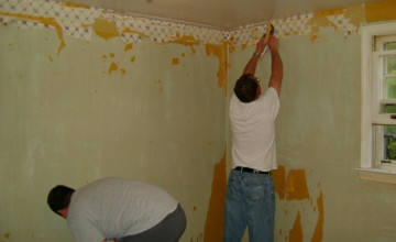 How to Remove Wallpaper with Fabric Softener