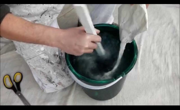 How to Use Wallpaper Glue