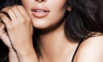 Kim Kardashian iPhone Wallpapers