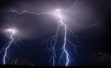 Lightning Strikes Wallpaper