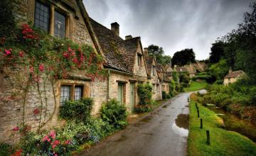 Village Home Wallpaper